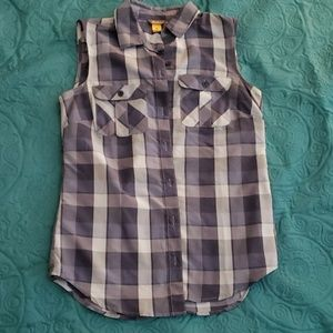 ♥️ Last Call! Going to yard sale Sleeveless shirt